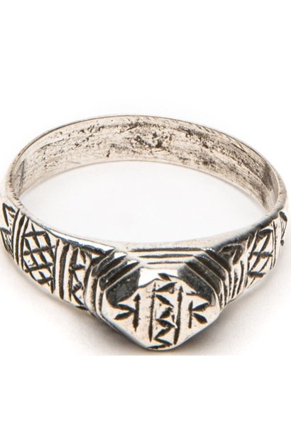 Ring Isabella engraved 18,5cm Silver