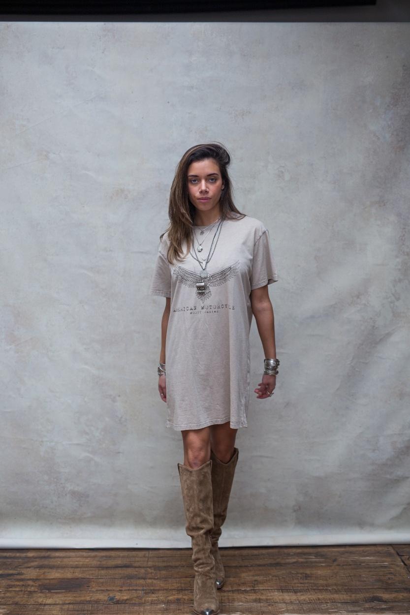 T-shirt dress Áquila stone beige-5