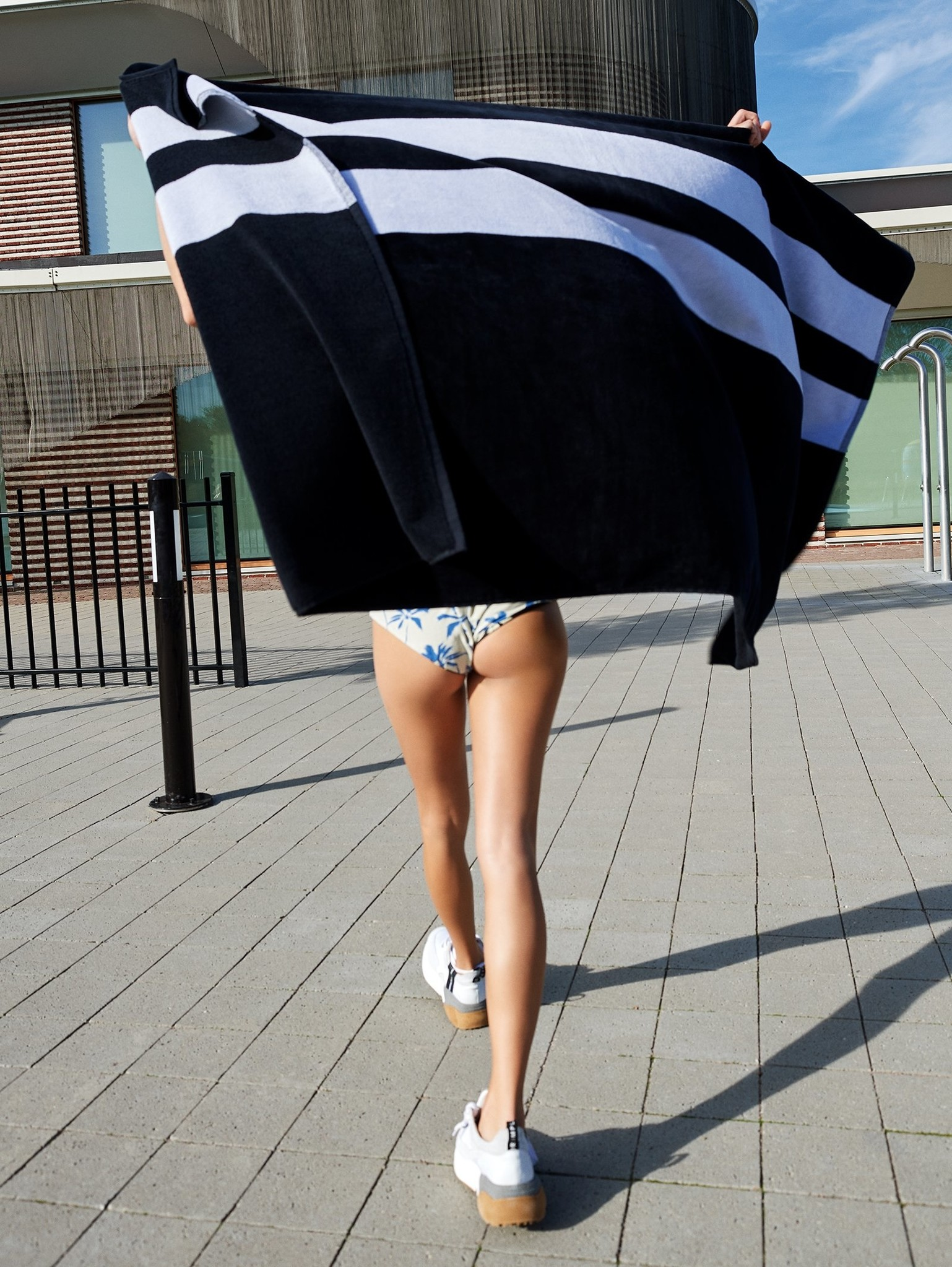 Handdoek the beach towel black-4