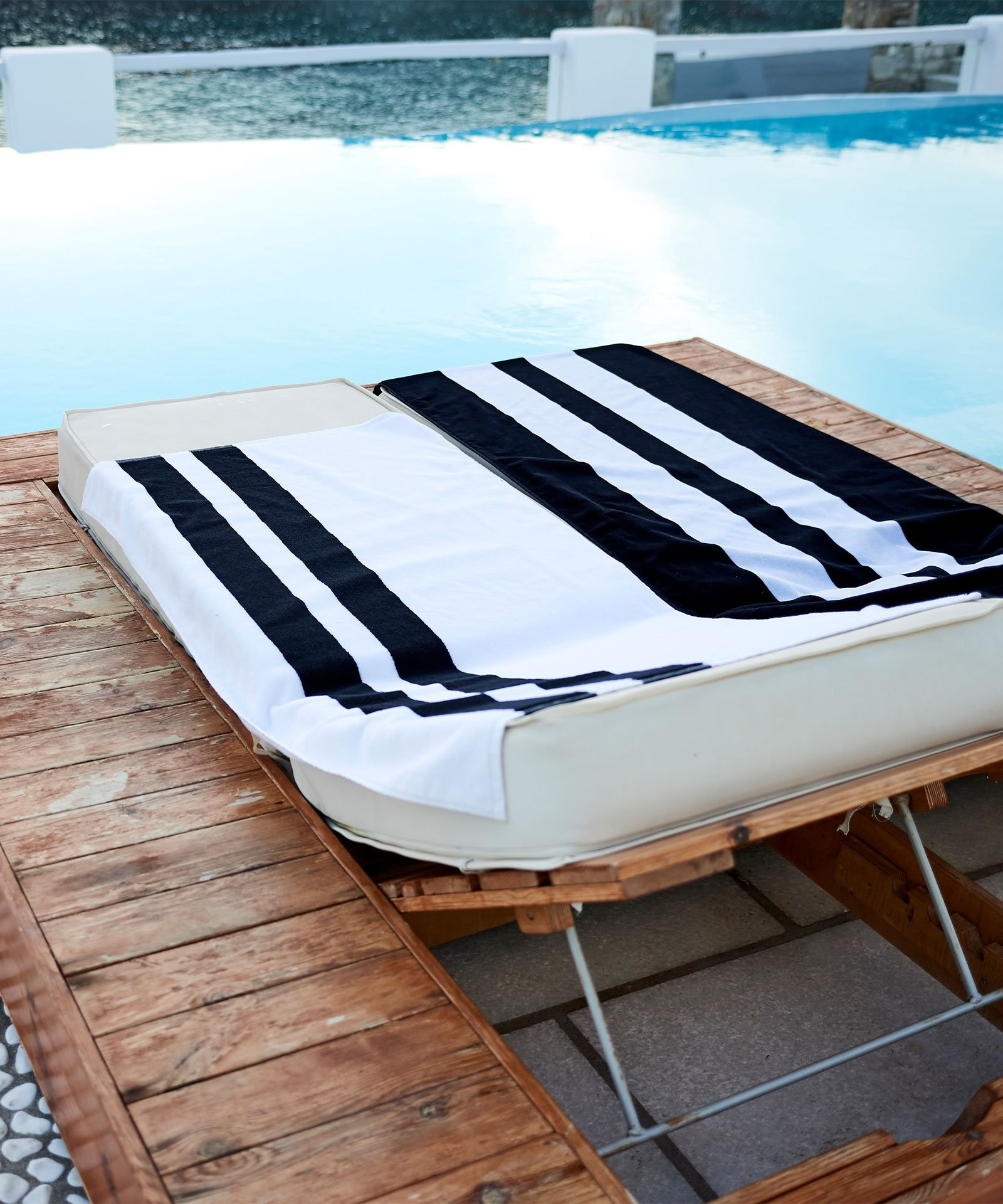 Handdoek the beach towel black-2