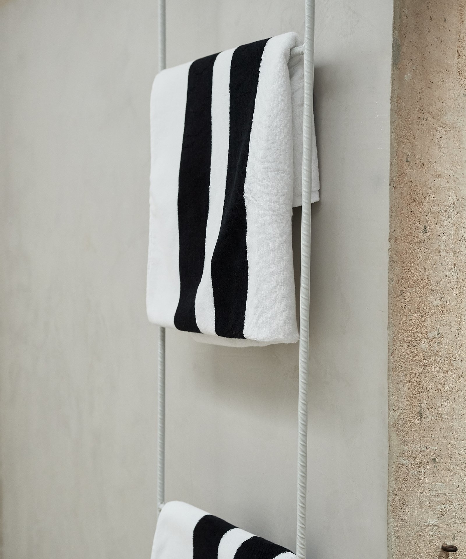 Handdoek the beach towel white-2
