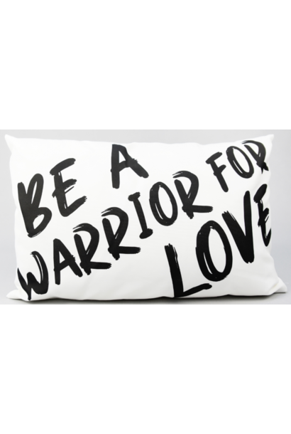 Kussen outdoor 'be a warrior' 50x30cm