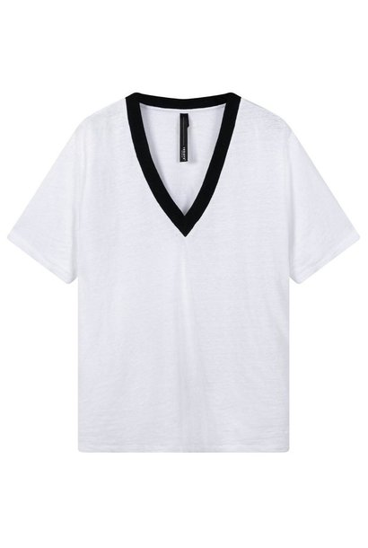 Top tee contrast white