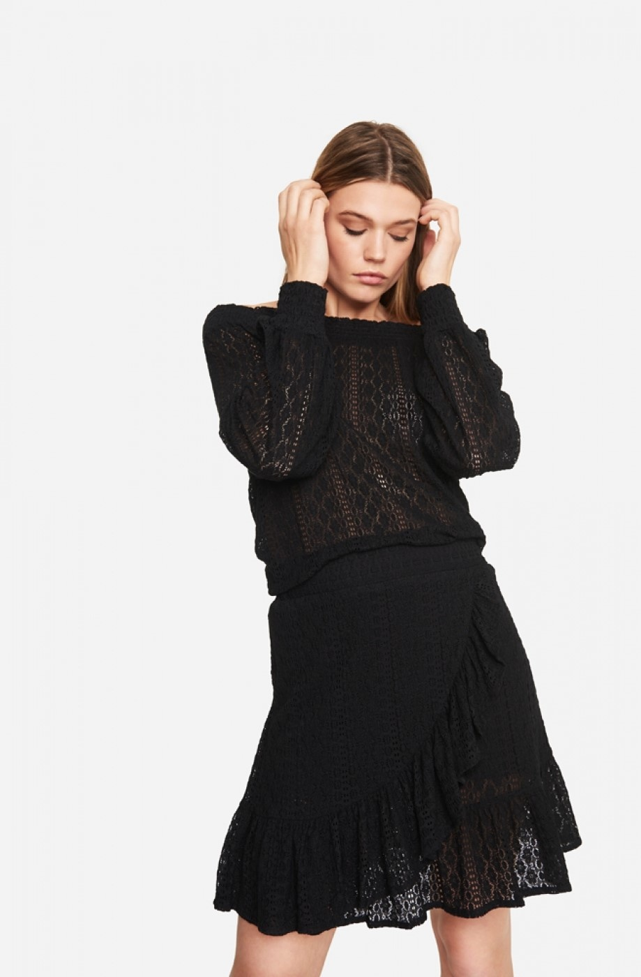 Rok knitted lace black-1