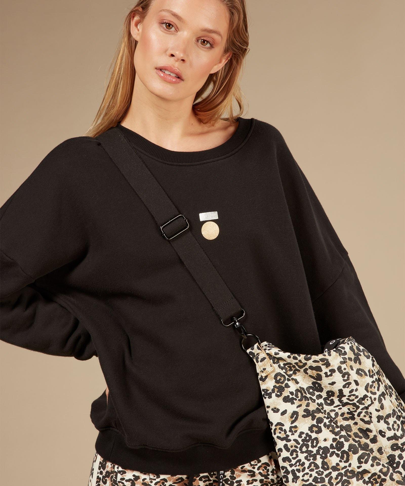 Trui foil print sweater black-2