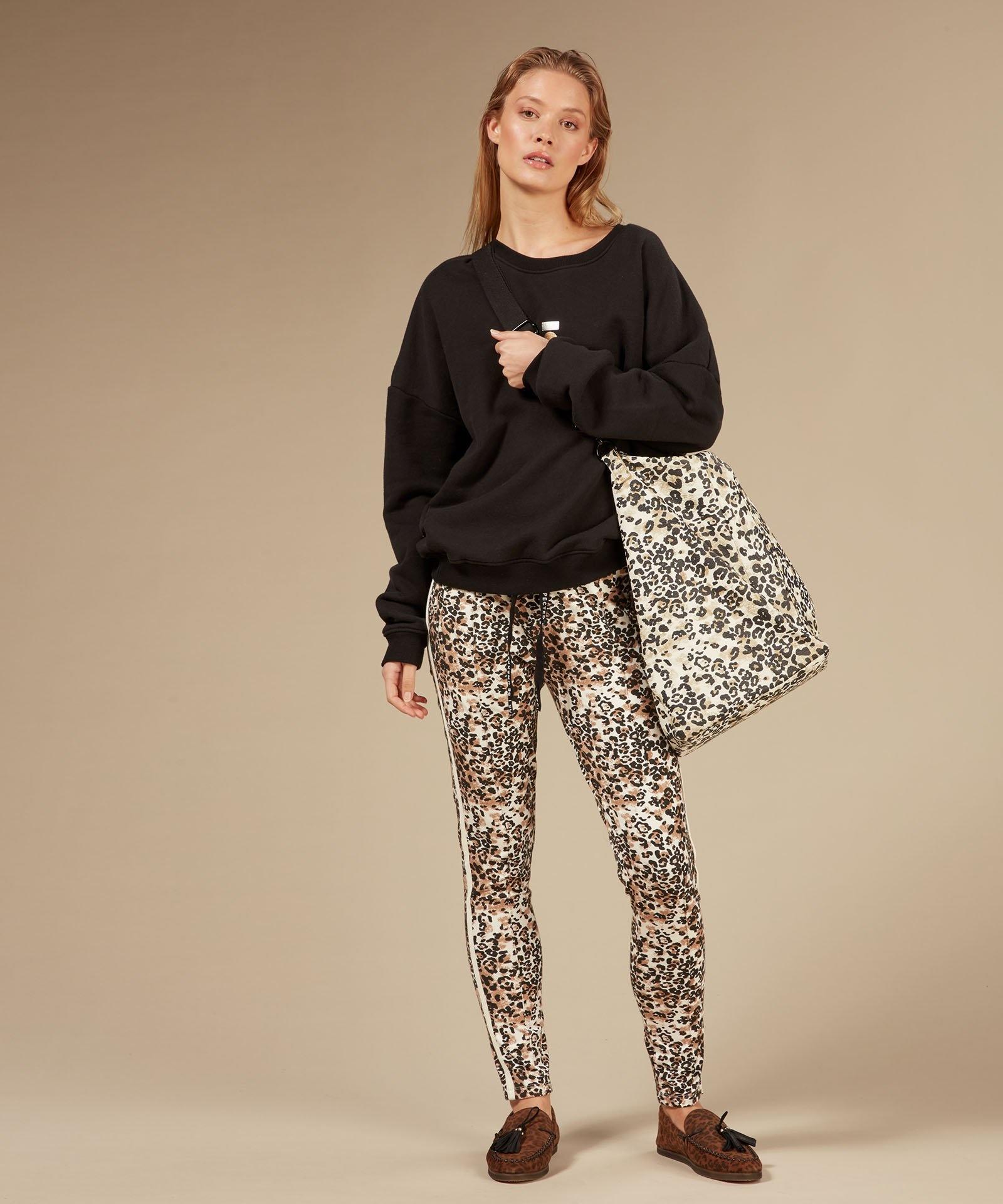 Trui foil print sweater black-5