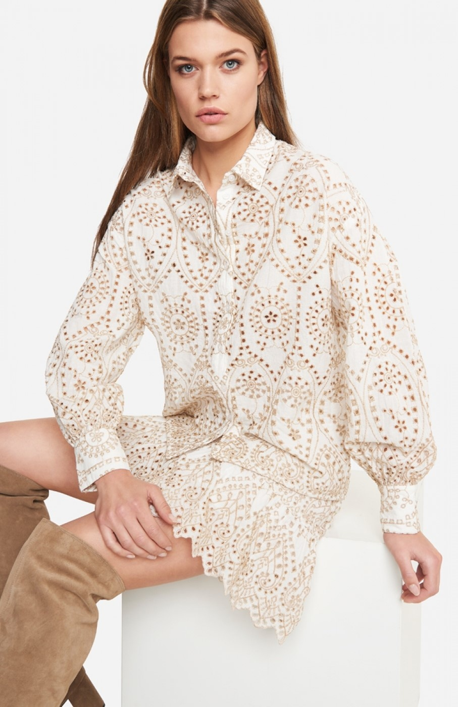 Blouse woven broderie blouse soft white-2