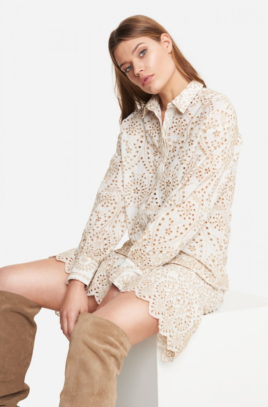Blouse woven broderie blouse soft white-4