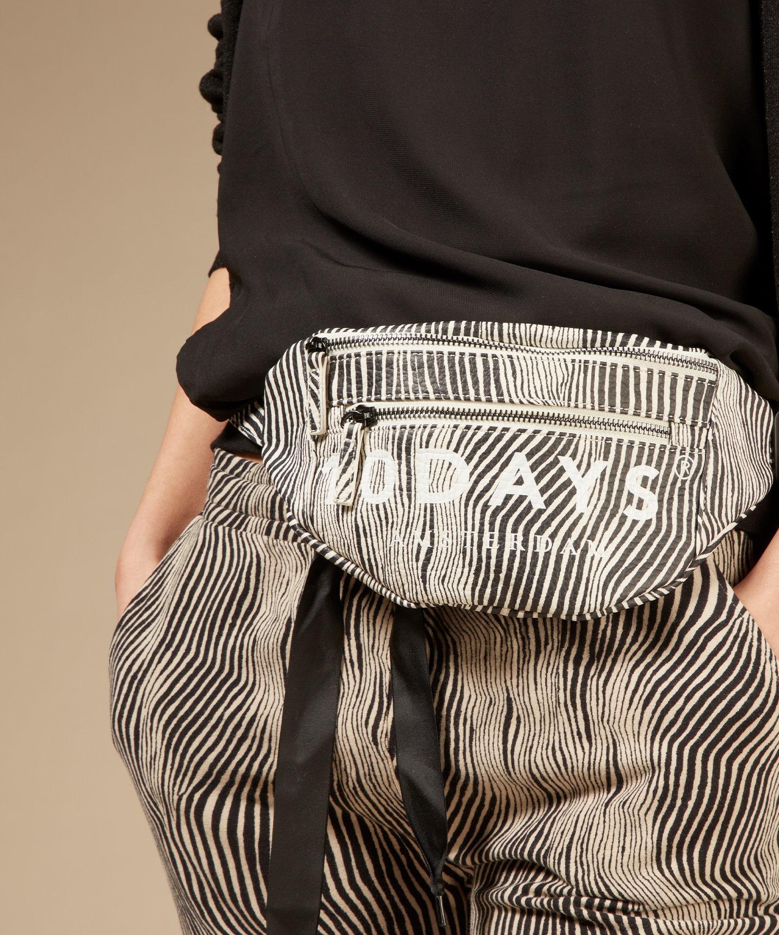 Tas fanny pack zebra safari-2