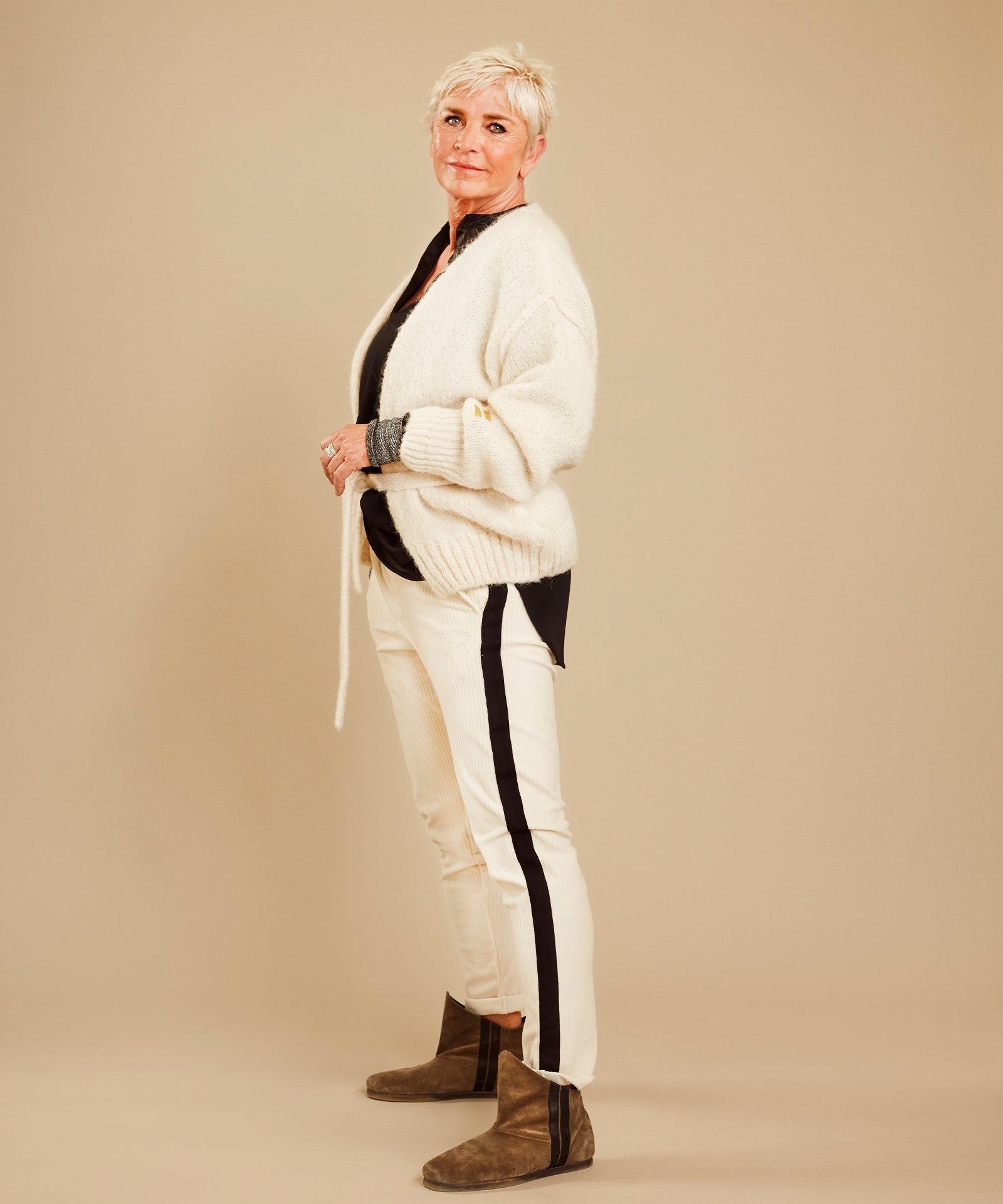 Vest short cardigan winter white-2