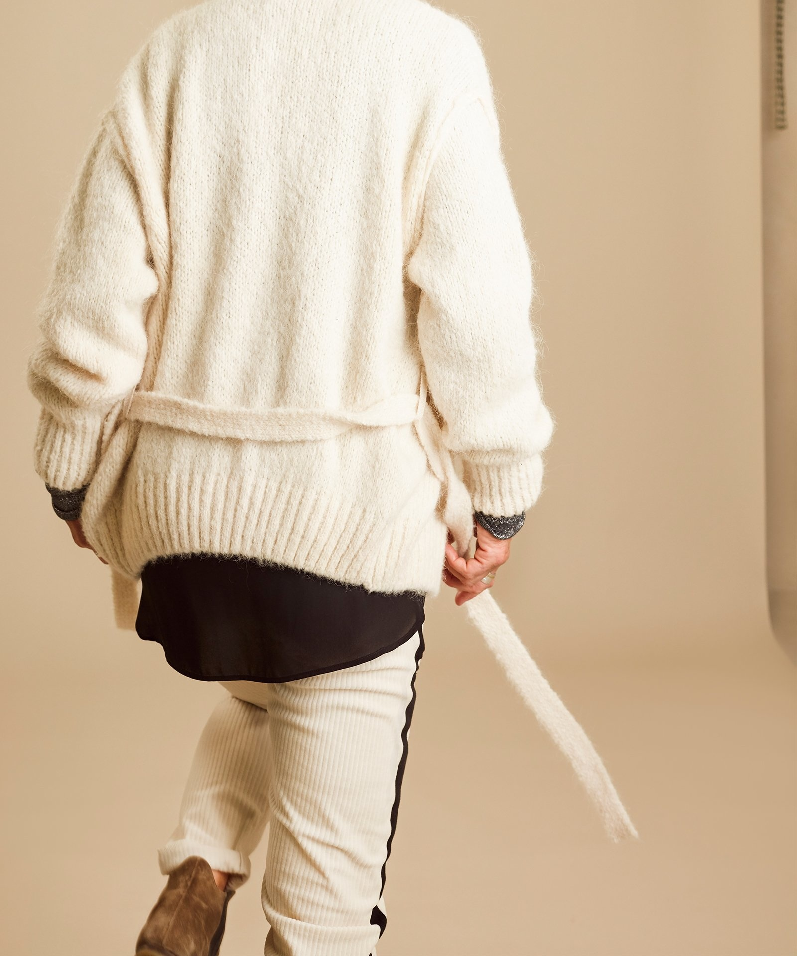 Vest short cardigan winter white-4