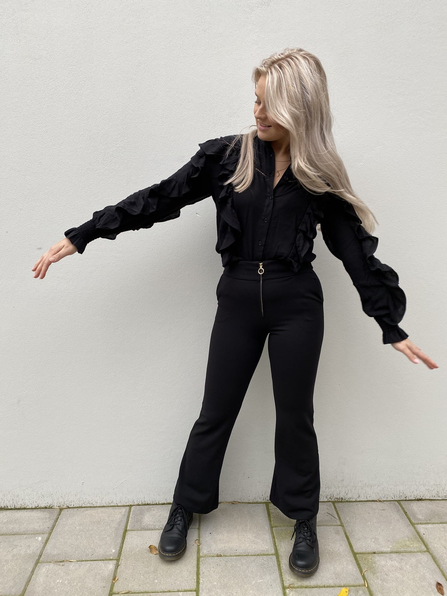 Blouse woven with tapes and ruffles black-2