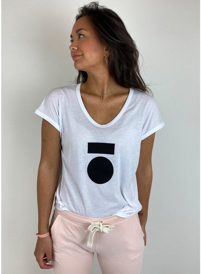 T-shirt the tee medal white