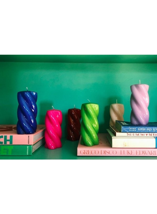 Kaars Blunt twisted candle long bright  pink