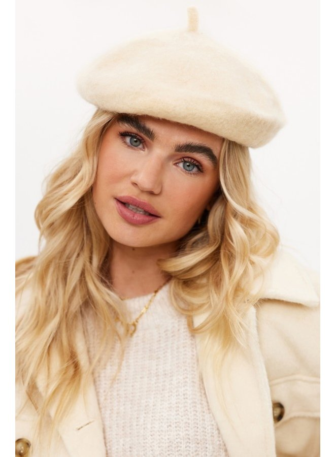 Baret In another world offwhite