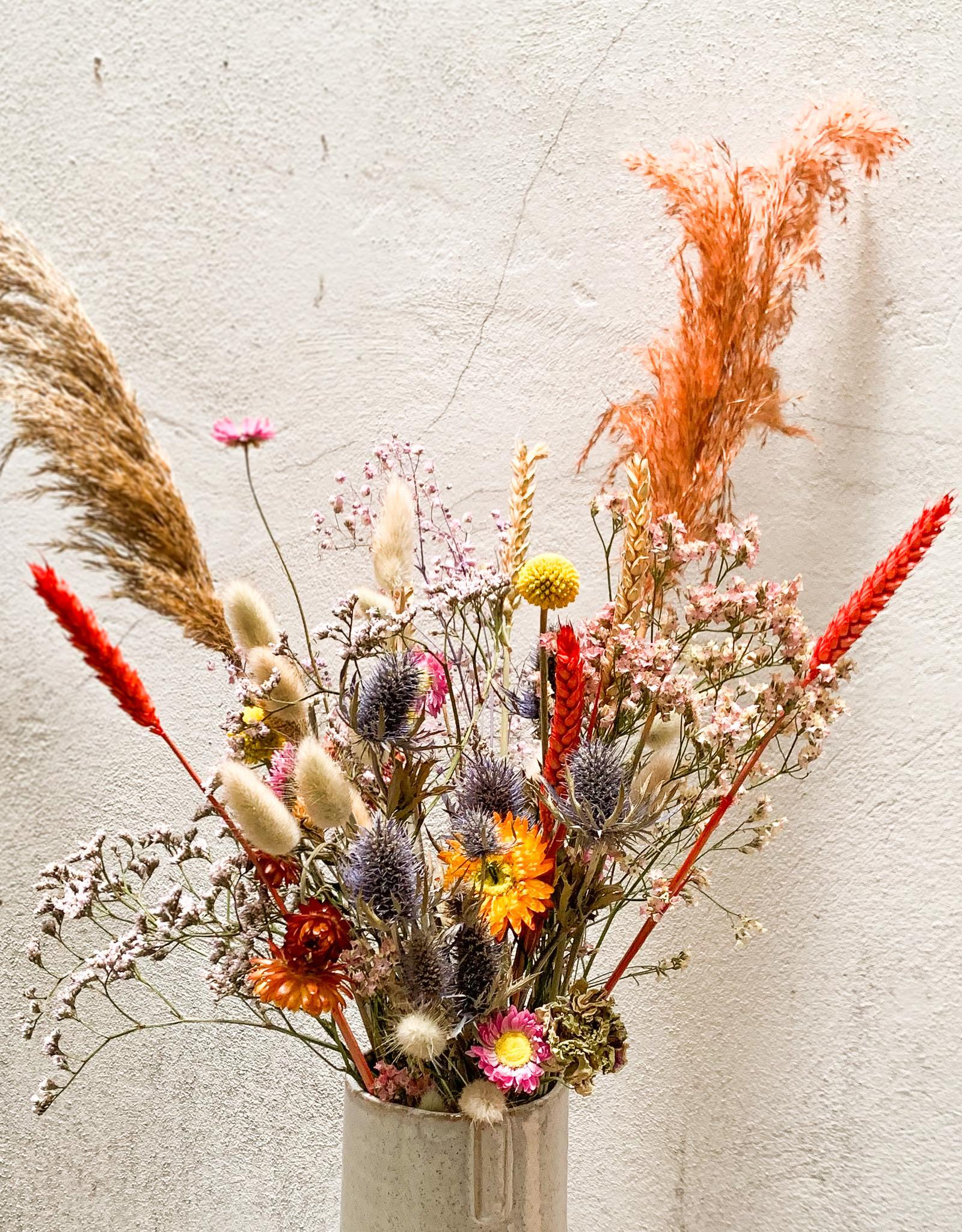 Kleine boeket droog bloemen