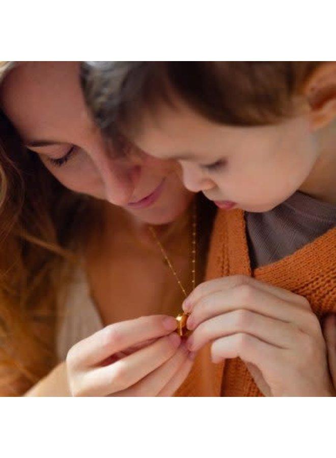 Medaillon Ketting Moeder 'Motherlove' – verguld 60cm - Balletjes schakel