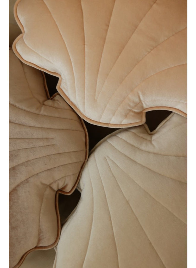Velvet sierkussen schelp - Cream Pearl