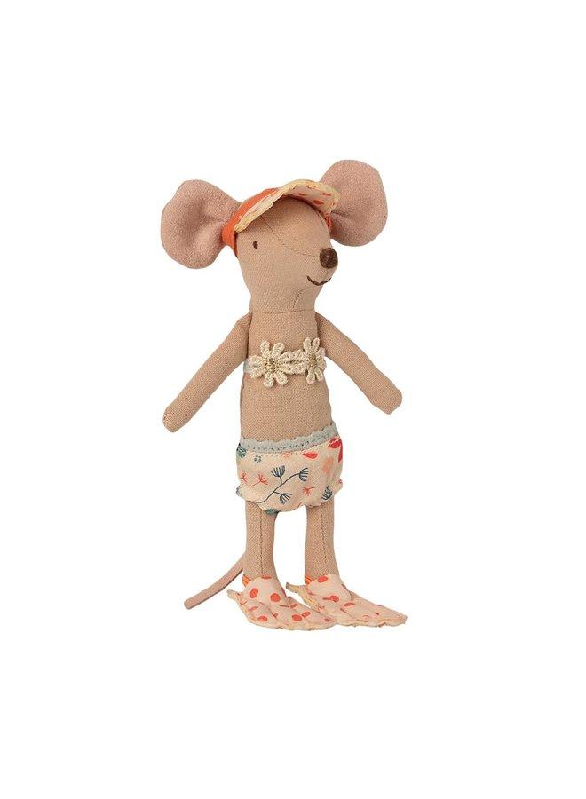 Maileg - Beach Mice, Big Sister In Cabin De Plage