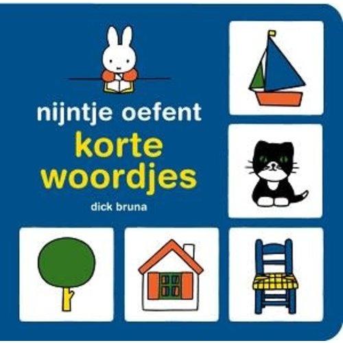 Nijntje oefent korte woordjes (kartonboek)