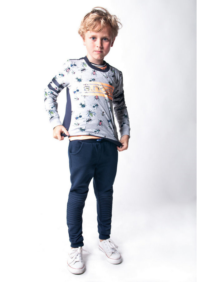 Boys sweater with fly ao and chest artwork