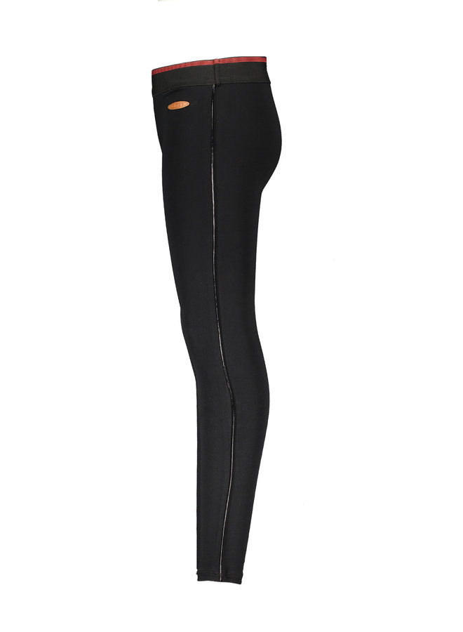 Sole Legging With Fake Leater piping At Sideseam