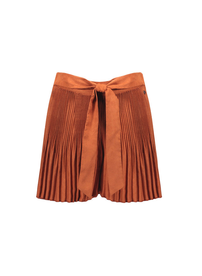 Silia Plisse Bermuda Short In Fake Suede - Ginger
