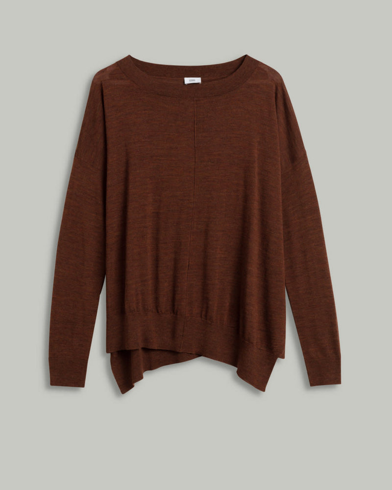 Closed loose knit in 100 % wool