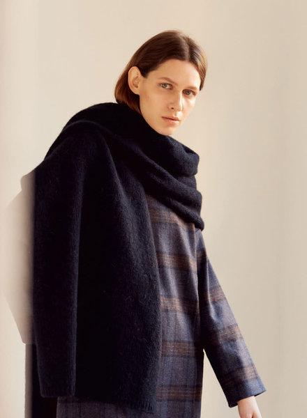 Monica Cordera maxi scarf
