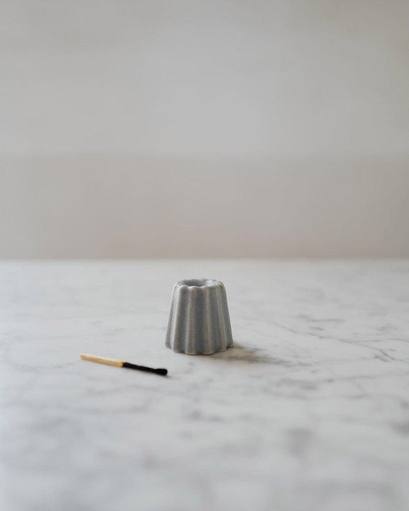 Ovo candle holder