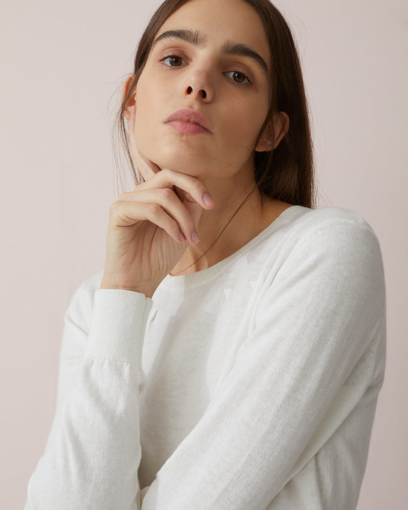 Closed knit ivory