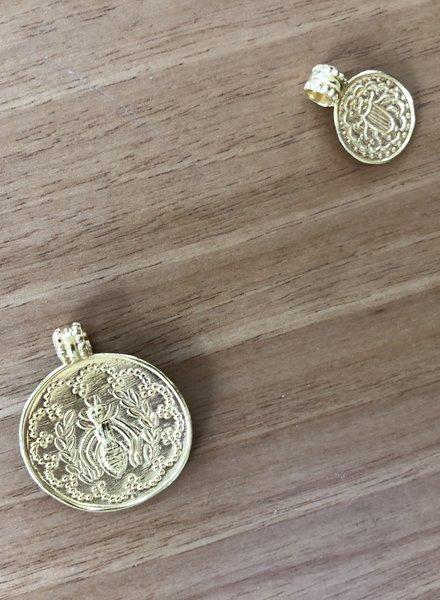 Soeur medallion