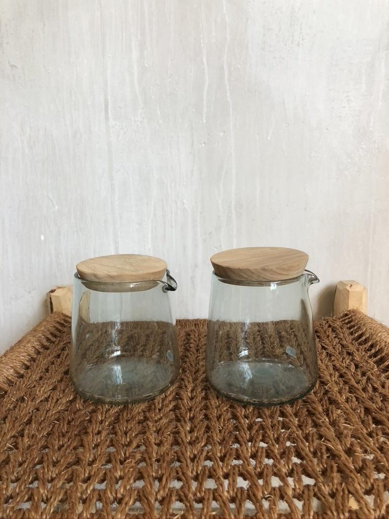 jug with lid-1