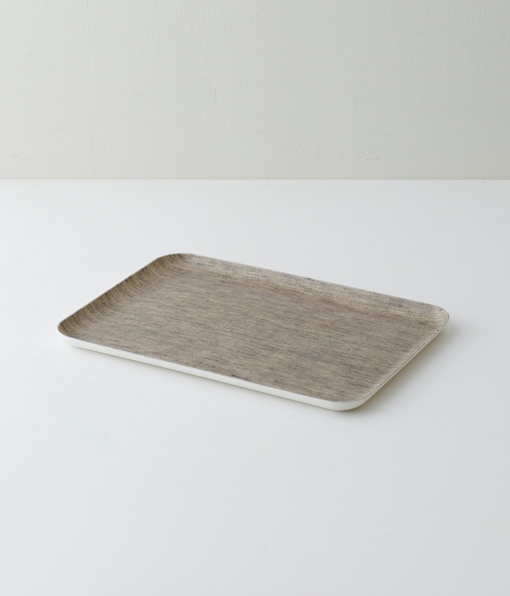 tray m-1