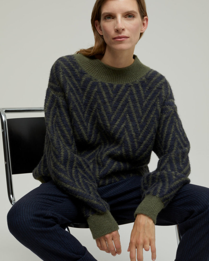 Closed lentil knit