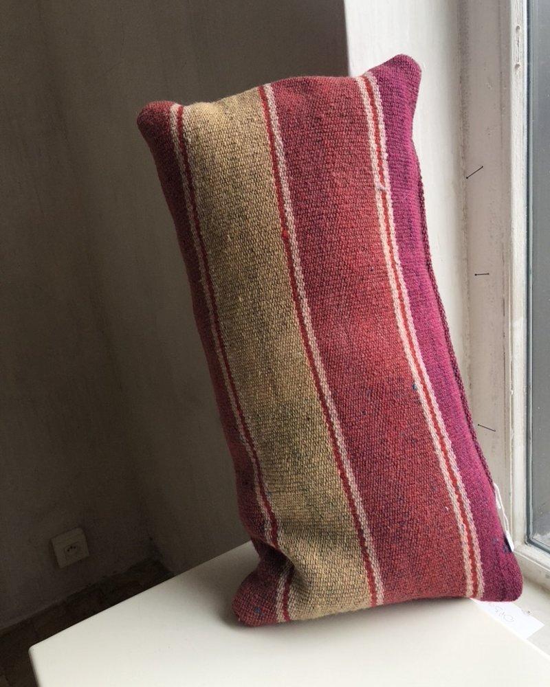 cushion red