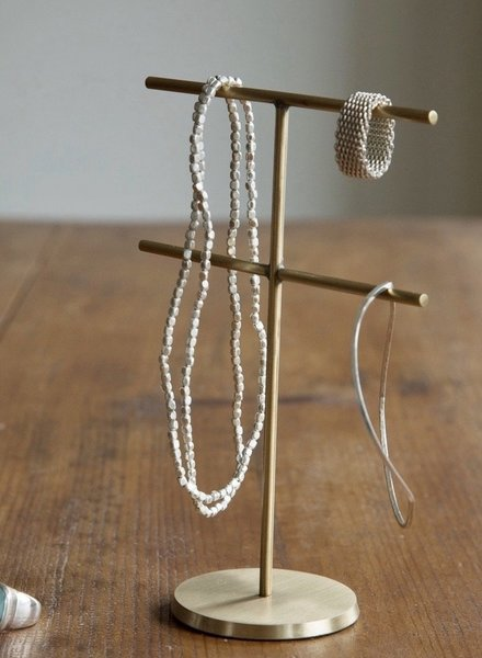 Fog linen accessory stand