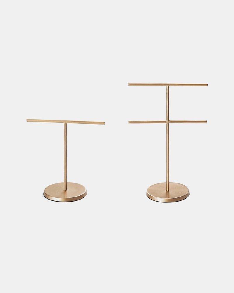 Fog linen accessory stand