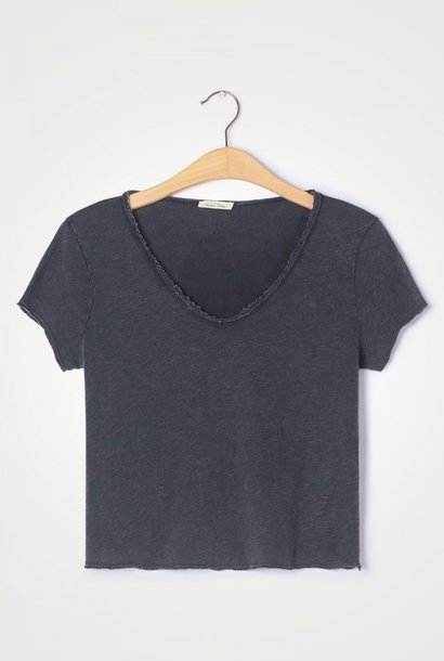 t-shirt son col v noir