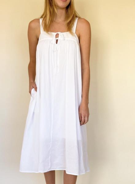 Xirena kynsley white