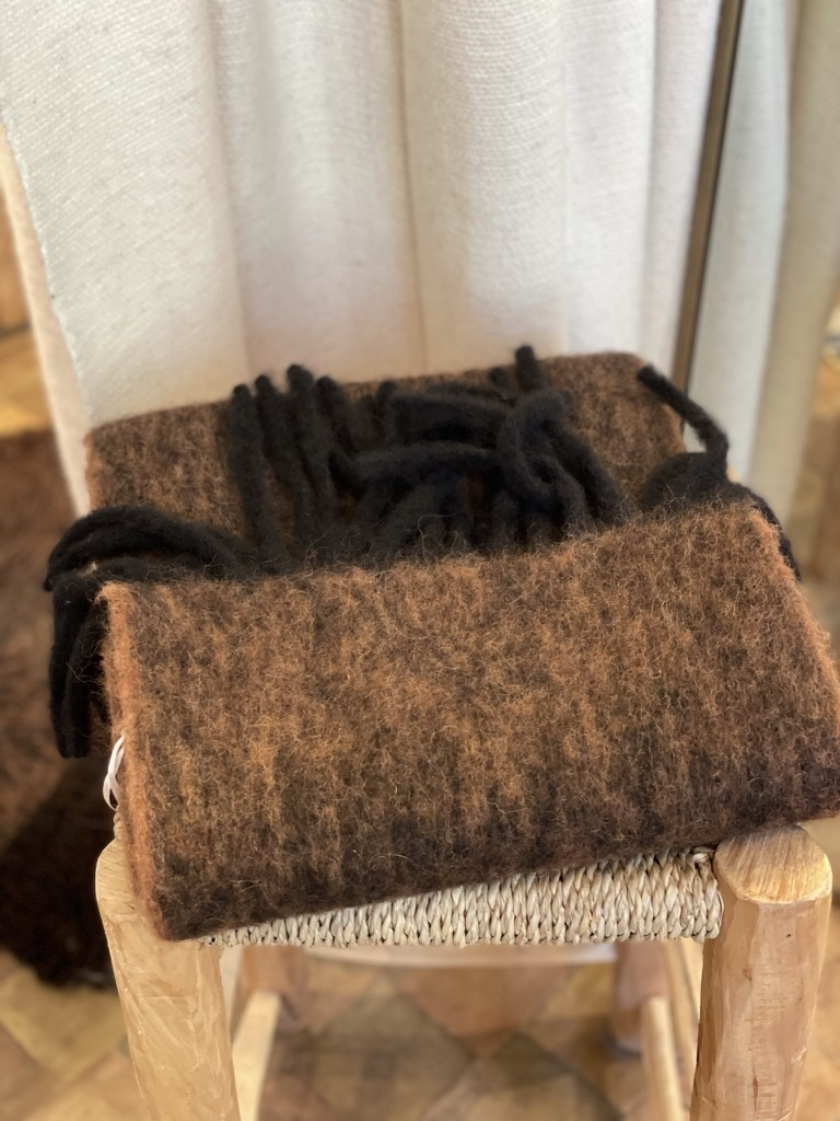 scarf laon brown-3