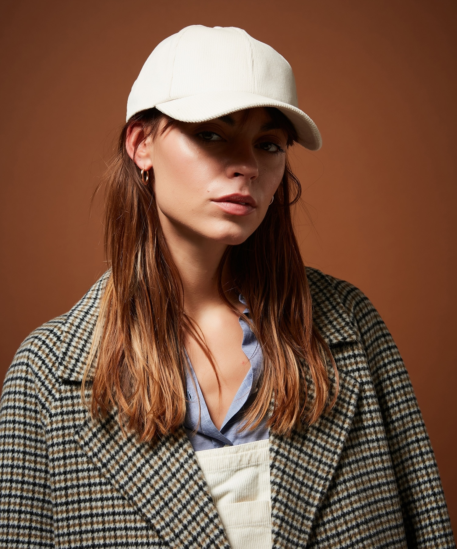 cap off white-1