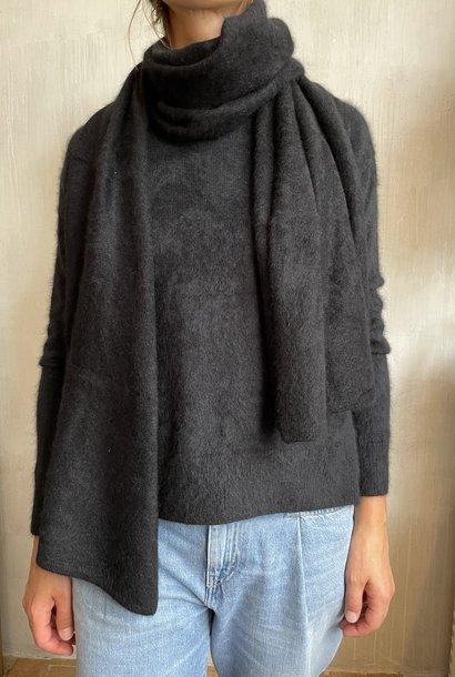 raccoon knit black