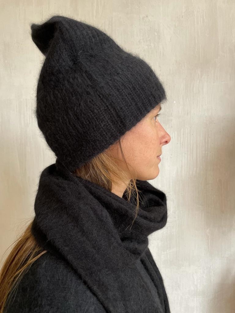 beanie black-1