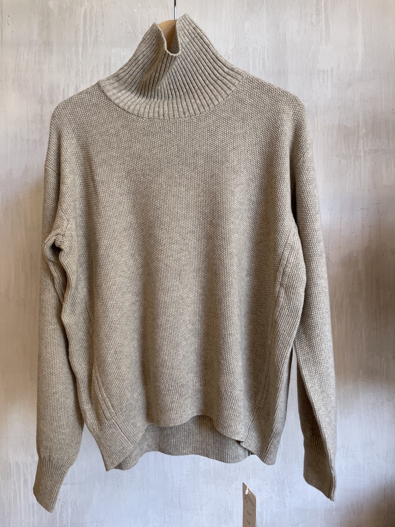 high neck pull beige-1