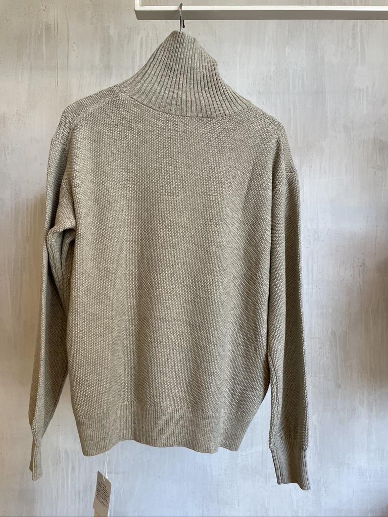 high neck pull beige-5