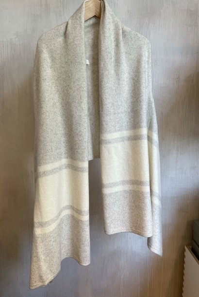 stole grey/white