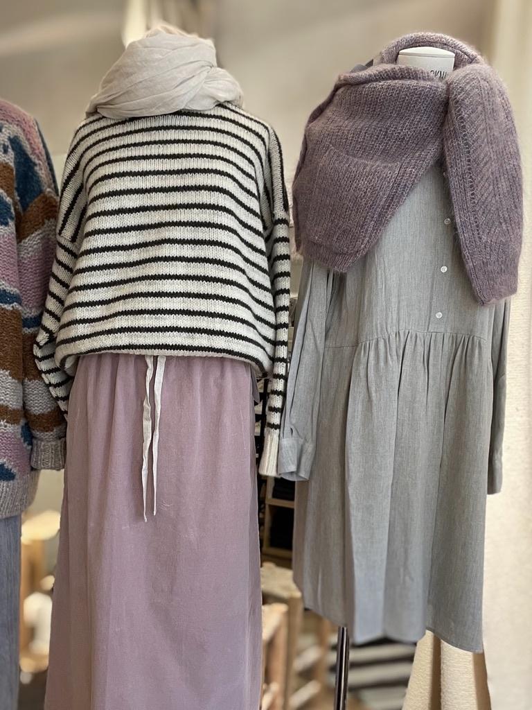 region dress-1