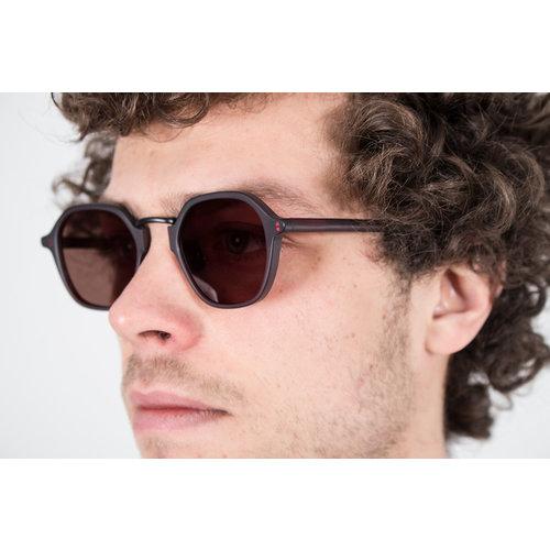 Gobi Gobi Sunglasses / Mailey / Volcanic Red