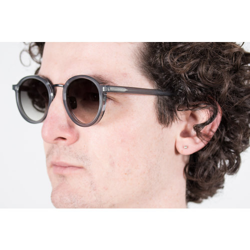 Gobi Gobi Sunglasses / Loren / Icy Grey